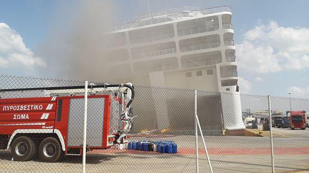 Incêndio em ferry na Grécia gera aflição