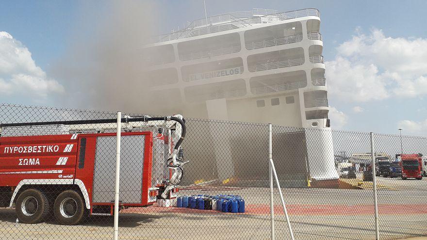 Feuer auf griechischer Fähre: alle sicher von Bord