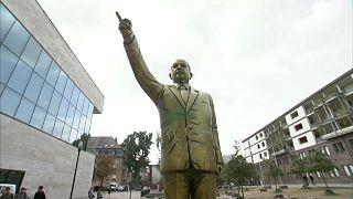 فيديو: مدينة ألمانية تزيل تمثالاً لأردوغان أثار جدالاً واسعاً في ألمانيا
