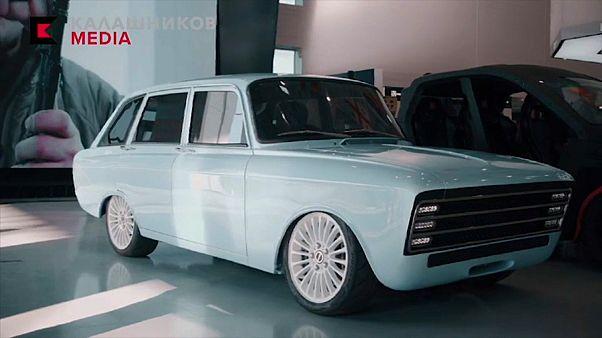 """شاهد: كلاشنيكوف الروسية تخوض غمار منافسة """"تسلا"""" وتنتج أوّل سيارة كهربائية"""