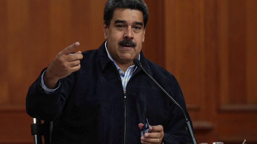 """Maduro dice a los venezolanos que """"dejen de lavar"""" retretes en el extranjero y vuelvan al país"""