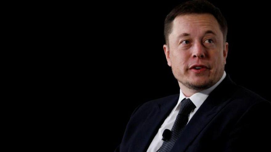 Elon Musk reignites 'pedo' claims against UK cave diver