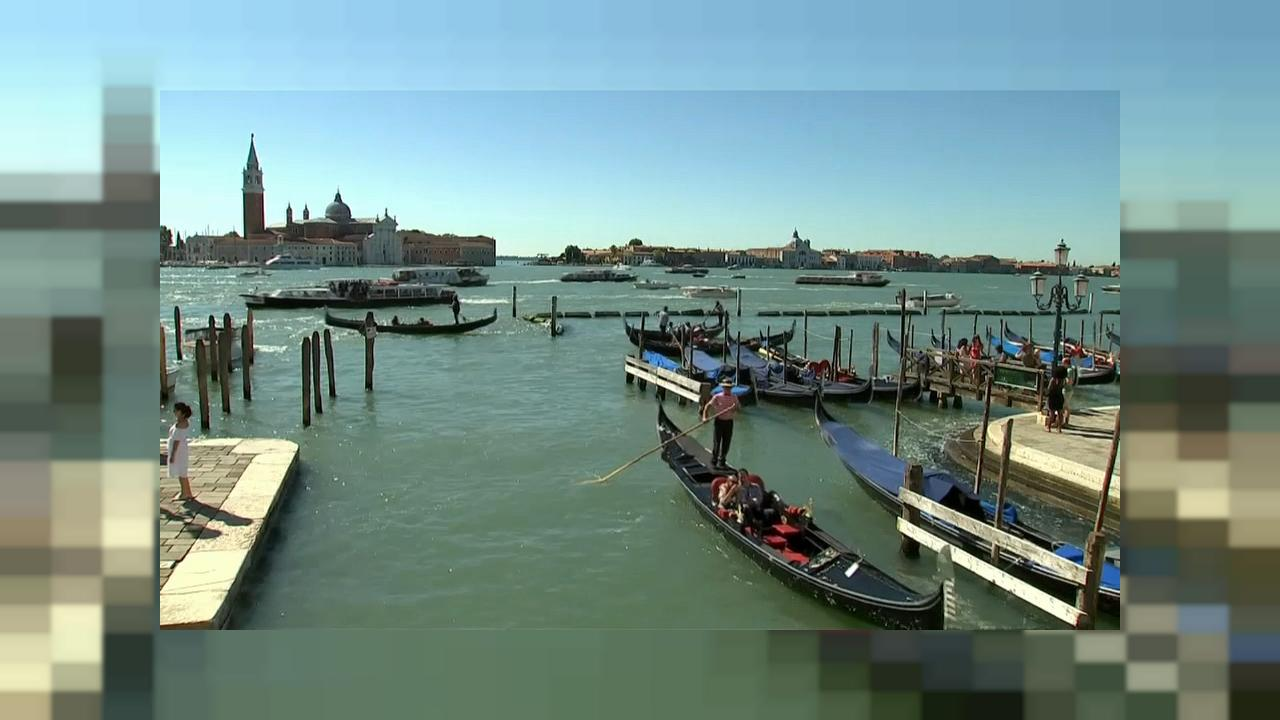 """First Man"" opens 75th Venice Film Festival"