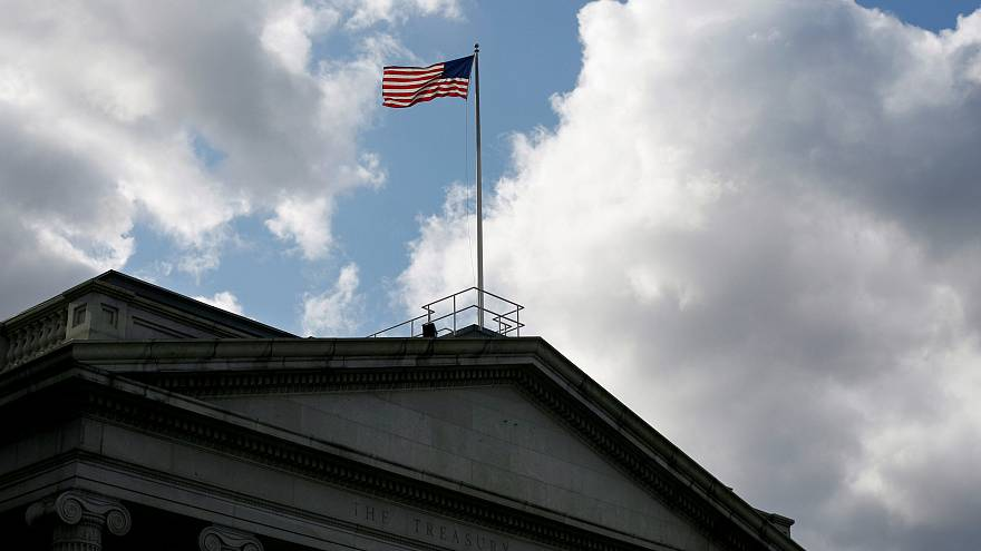 الخارجية الأمريكية تنفي تقريراً عن زيارة مسؤولين أمريكيين لدمشق
