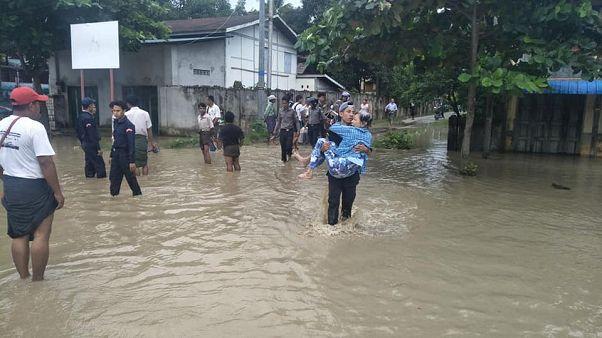 Myanmar'da baraj taşkını sonrası 50 binden fazla kişi tahliye edildi