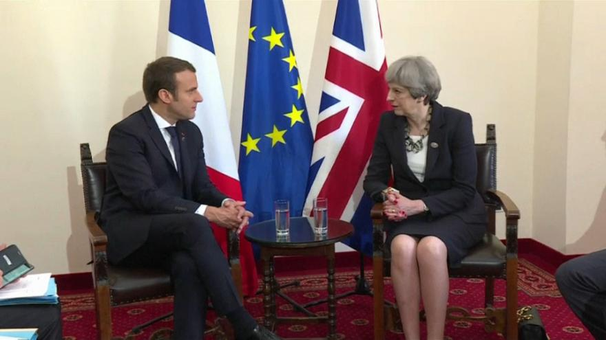 Macron 'prepared' to throw Britain a lifeline in reaching agreement with EU
