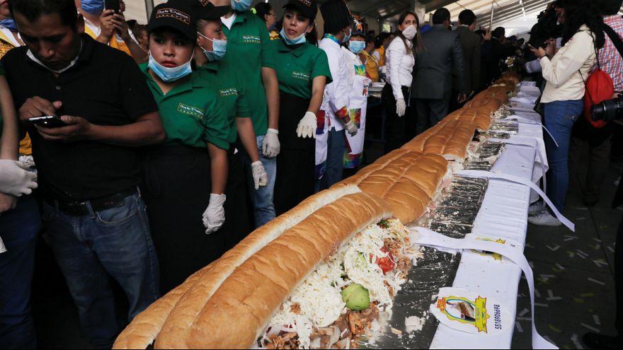 تهیه ساندویچ ۷۰ متری در مکزیک