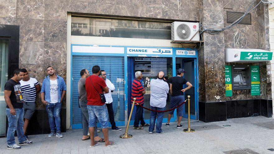 مواجهات بين محتجين وقوات الأمن التونسية إثر إغلاق معبر حدودي مع ليبيا