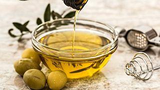 دراسة يونانية: زيت الزيتون خير من الفياغرا