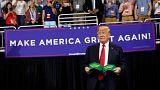 Donald Trump beszáll az elnöki különgépbe