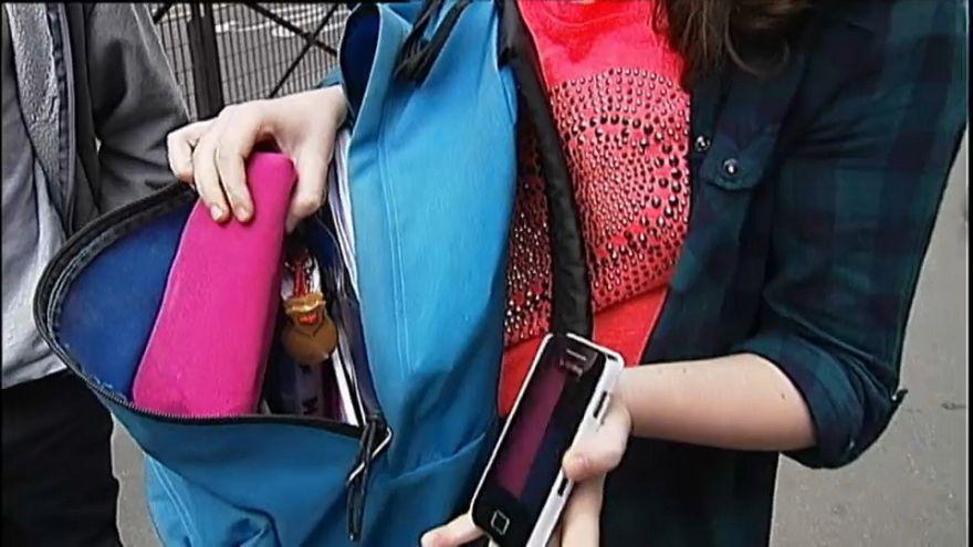 Back to school: cellulare sì o no a scuola?