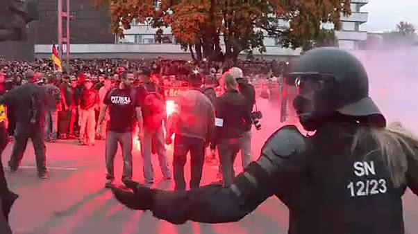 شاهد: مظاهرات ضد الهجرة في معقل اليمين المتطرف بألمانيا