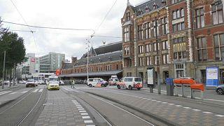 Messerstecherei am Bahnhof von Amsterdam: 3 Verletzte