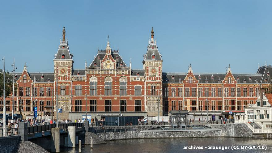 Deux blessés lors d'une attaque au couteau à la gare d'Amsterdam