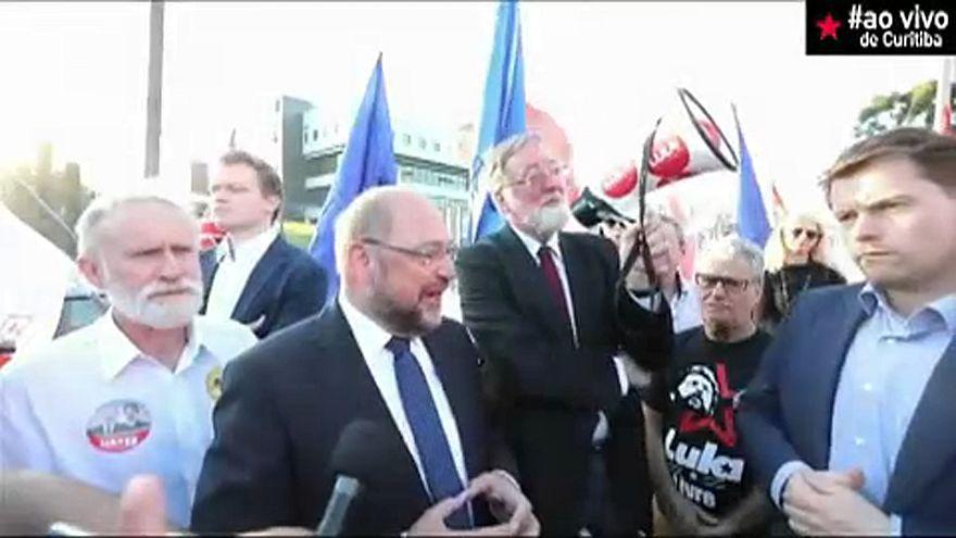 Meglátogatta a bebörtönzött volt brazil államfőt Martin Schulz