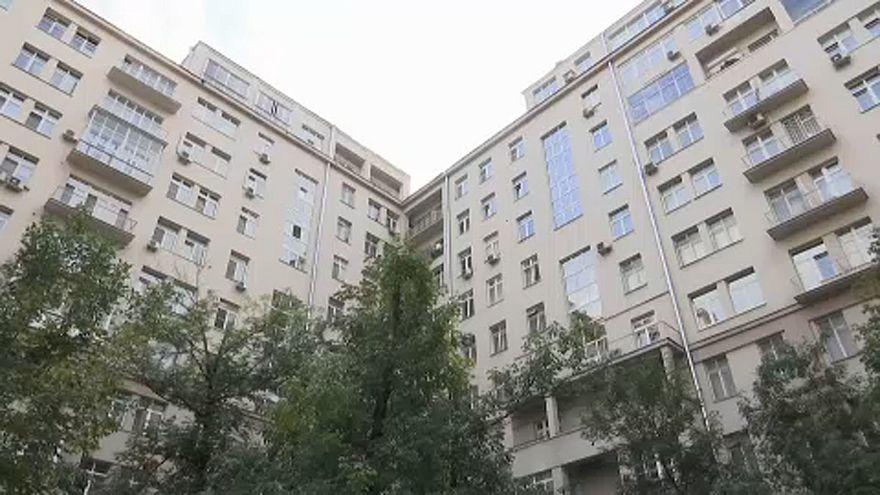 Kizuhant a vállalatvezető moszkvai lakása ablakán