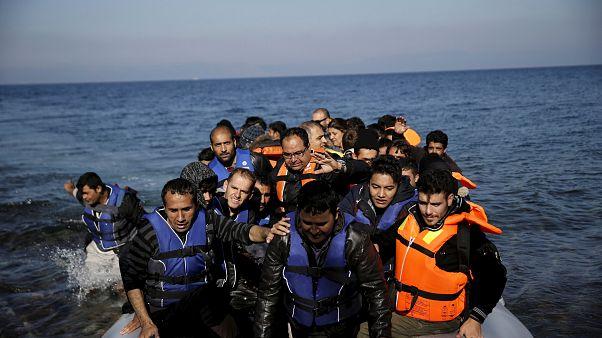 Ägäis-Inseln: UNHCR fordert Transport von Flüchtlingen auf das Festland