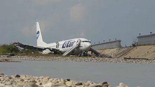 Un muerto y 18 heridos en un accidente de aviación en Rusia