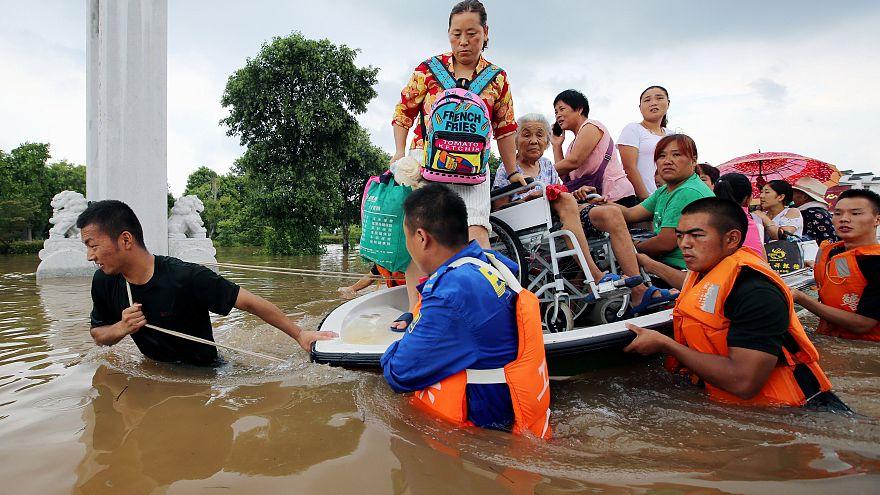 Çin'de aşırı yağışa önlem için 127 bin kişiye tahliye