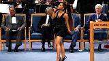 Il pastore Ellis si scusa: forse troppo amichevole verso Ariana Grande