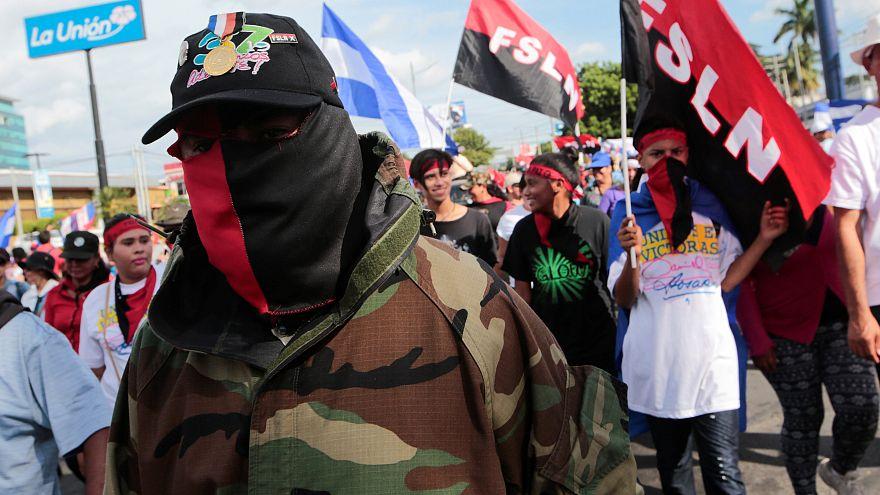 Simpatizantes de Daniel Ortega en una marcha de apoyo al presidente.
