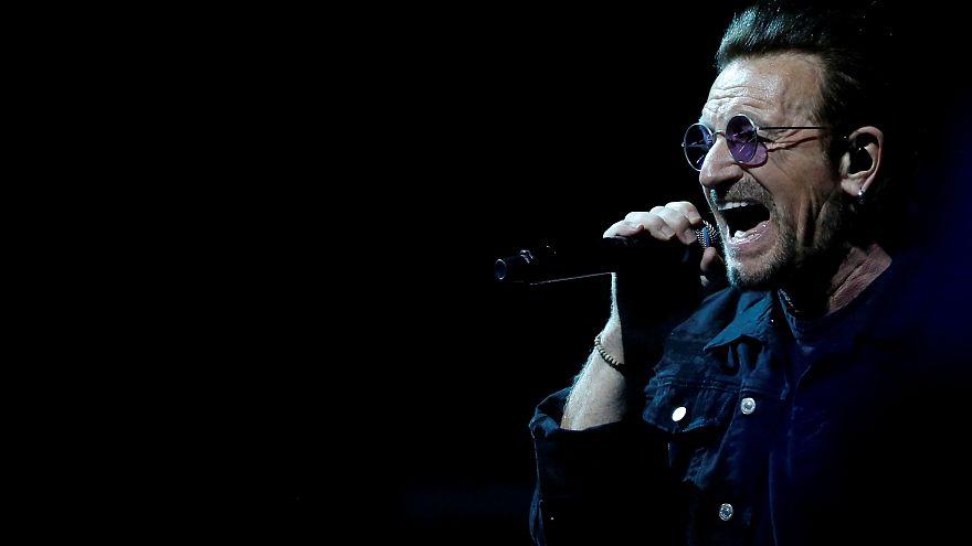 A Berlino sospeso il concerto degli U2, Bono perde la voce