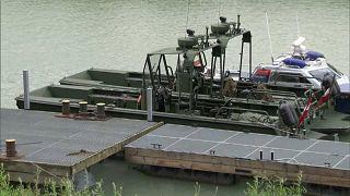 Österreichisches Militärboot kentert: zwei Frauen weiterhin in Lebensgefahr
