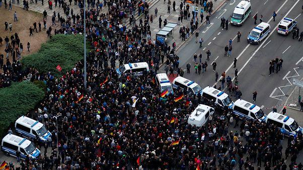 Alman Bakan Mass: Rahat kanepelerinizi terk edin ırkçılıkla savaşın!