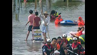 شاهد: فيضانات في جنوب الصين ومستوى المياه يتجاوز المترين
