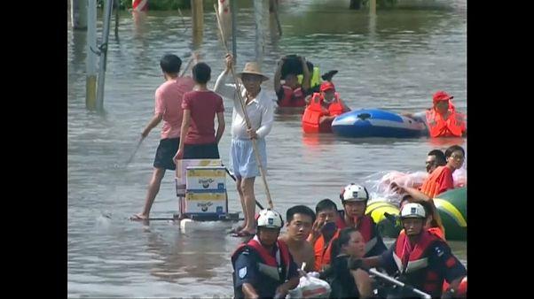 Ellepett az árvíz egy kínai várost