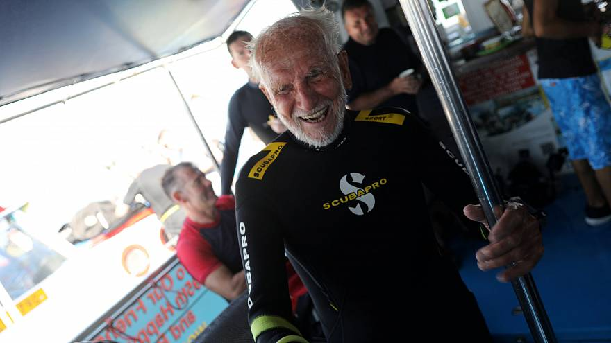 Ray Woolley, 95 ans sous les mers