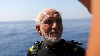 World's oldest diver breaks his own record