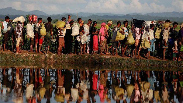 Myanmar: Justiça condena jornalistas da Reuters a sete anos de prisão