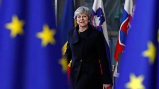 Brexit: May sotto attacco