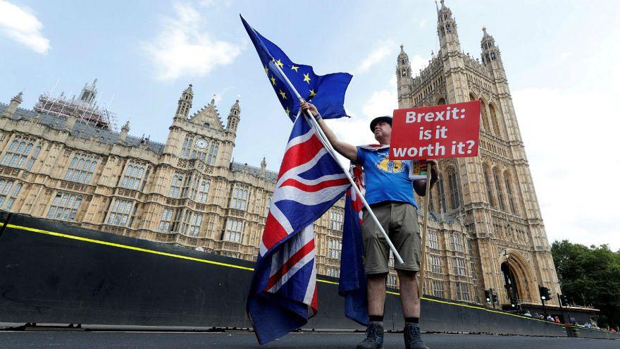 طرح ترزا می برای برکسیت؛ از هشدار بوریس جانسون تا مخالفت مذاکرهکننده ارشد اروپا