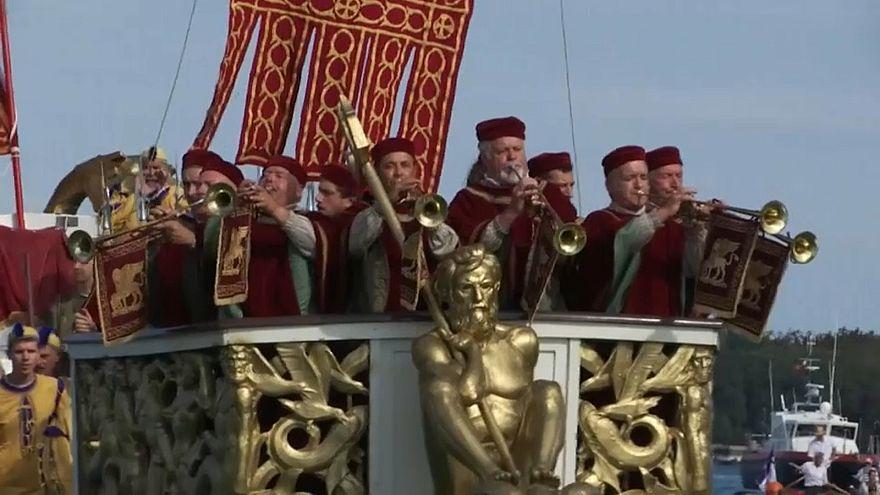 ونیز؛ رژه قایقهای قرن شانزدهمی در رقابتهای تاریخی رگاتا استوریکا