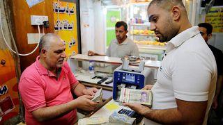 Dolar İran'da da yeni bir rekor kırarak 128 bin riyali gördü