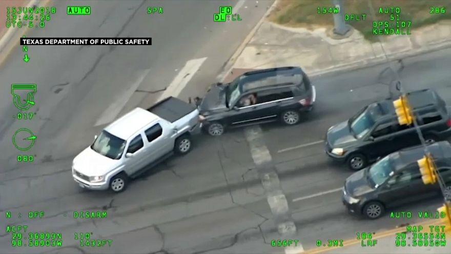 شاهد: امرأة تهرب بسرعة جنونية من الشرطة وتعرض طفلها للخطر