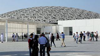 متحف لوفر أبو ظبي يؤجل عرض لوحة لدافنشي قيمتها 450 مليون دولار