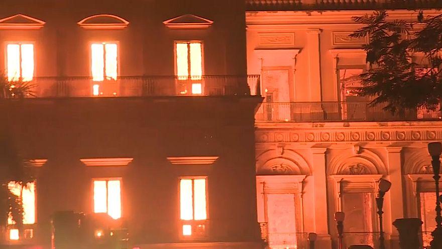 Nationalmuseum in Rio abgebrannt