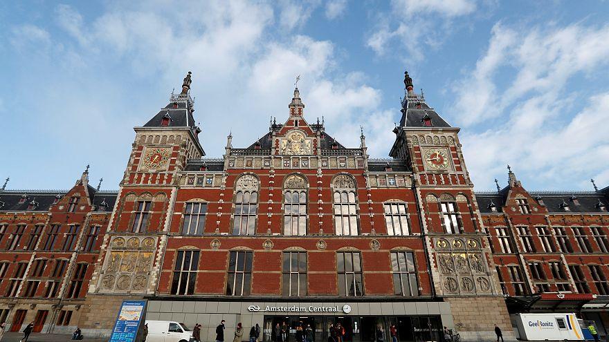 Hollanda'daki bıçaklı saldırgan Wilders'i gerekçe göstermiş