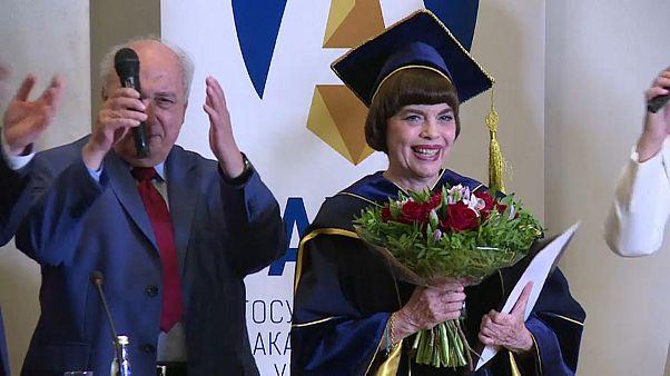 """Mireille Mathieu """"Docteur Honoris Causa"""" en Russie"""