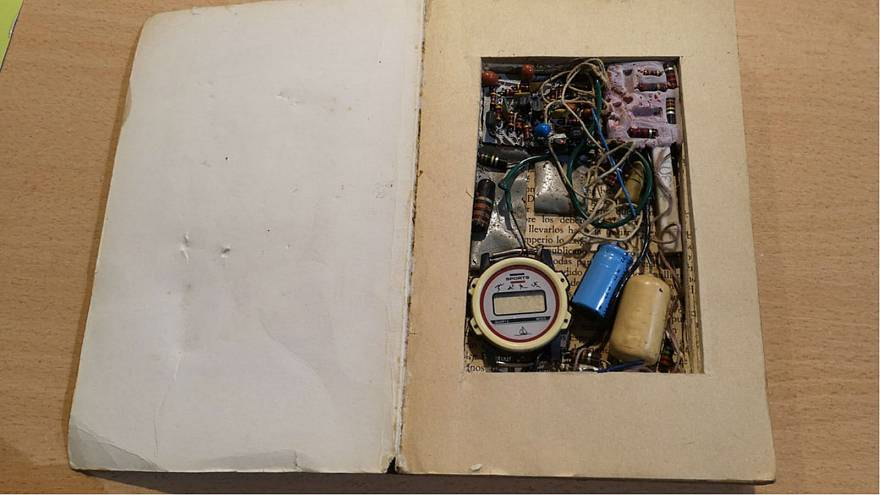 Fake bomb uncovered at Spanish second-hand bookstore
