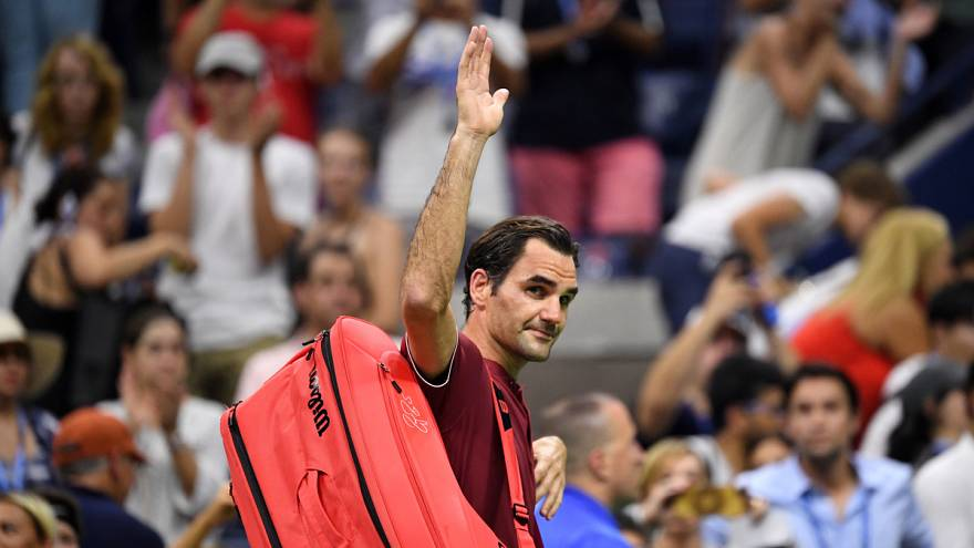 Federer és Sarapova kiesett, Djoković továbbjutott