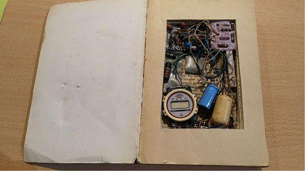 Hamis bombát találtak egy könyvben egy spanyol antikváriumban