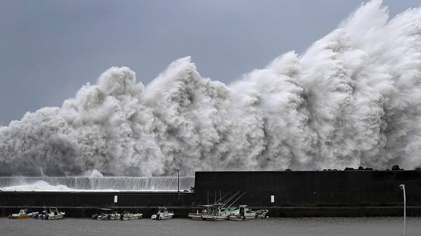 Jebi, el tifón más potente en 25 años en Japón