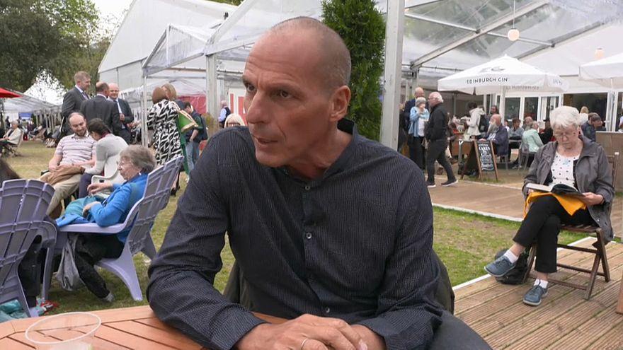 """Varoufakis hace un llamamiento a combatir al """"neofascismo"""""""