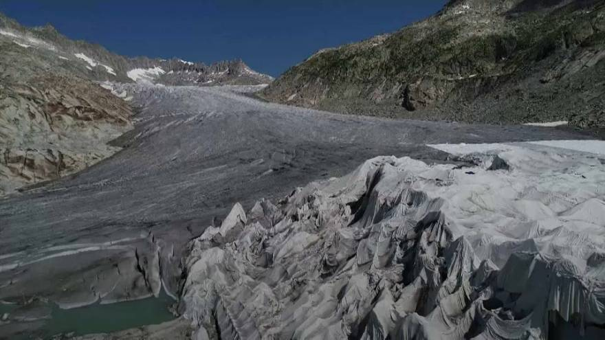 Poorly armed in the battle against Alpine glacier retreat