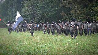 Rechazo a los grupos paramilitares en Eslovenia