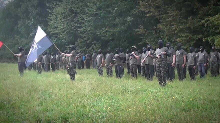 Grupo paramilitar causa alarme na Eslovénia